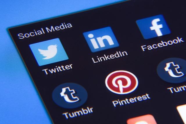 Social Media Marketing vs Search Engine Optimization